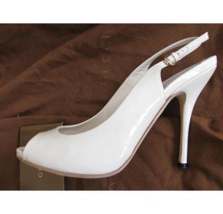 Gucci cream patent sandals