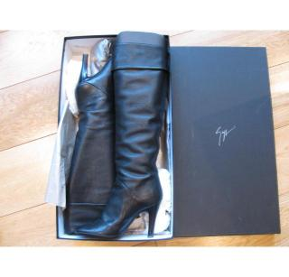 Giuseppe Zanotti black boots, optional over the kn