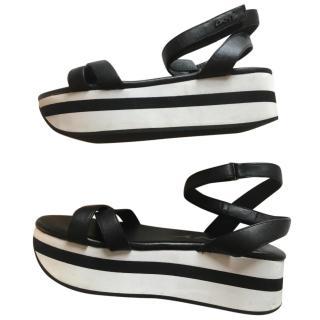 DKNY Flatform Sandals