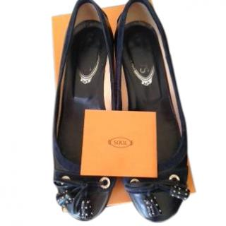 Tod's navy shoes