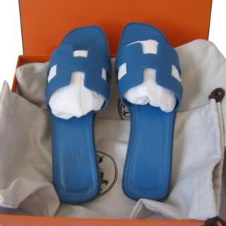 Hermes Oran Sandals In Blue Celeste