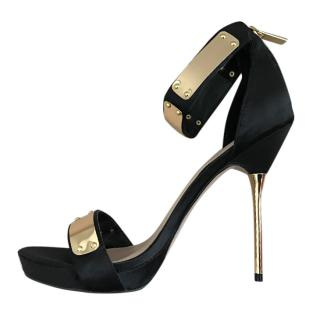 0184cbd9017abb Carvela Black and Gold Heels