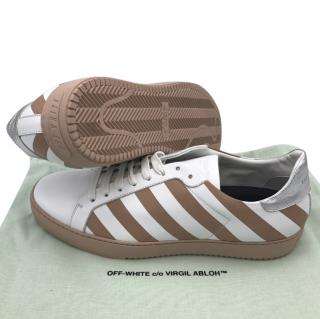 Off-white stripped men's sneakers