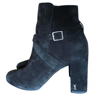 Saint Laurent Babies 90 Cross Strap Ankle Boot In Black Leather