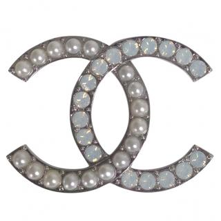 Chanel pearl and opal silver plated brooch