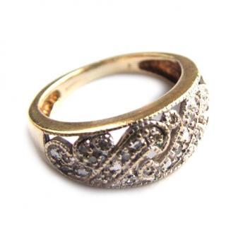 9 carat white & yellow gold & diamond ring
