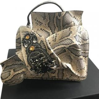 No21 python print cross bodybag