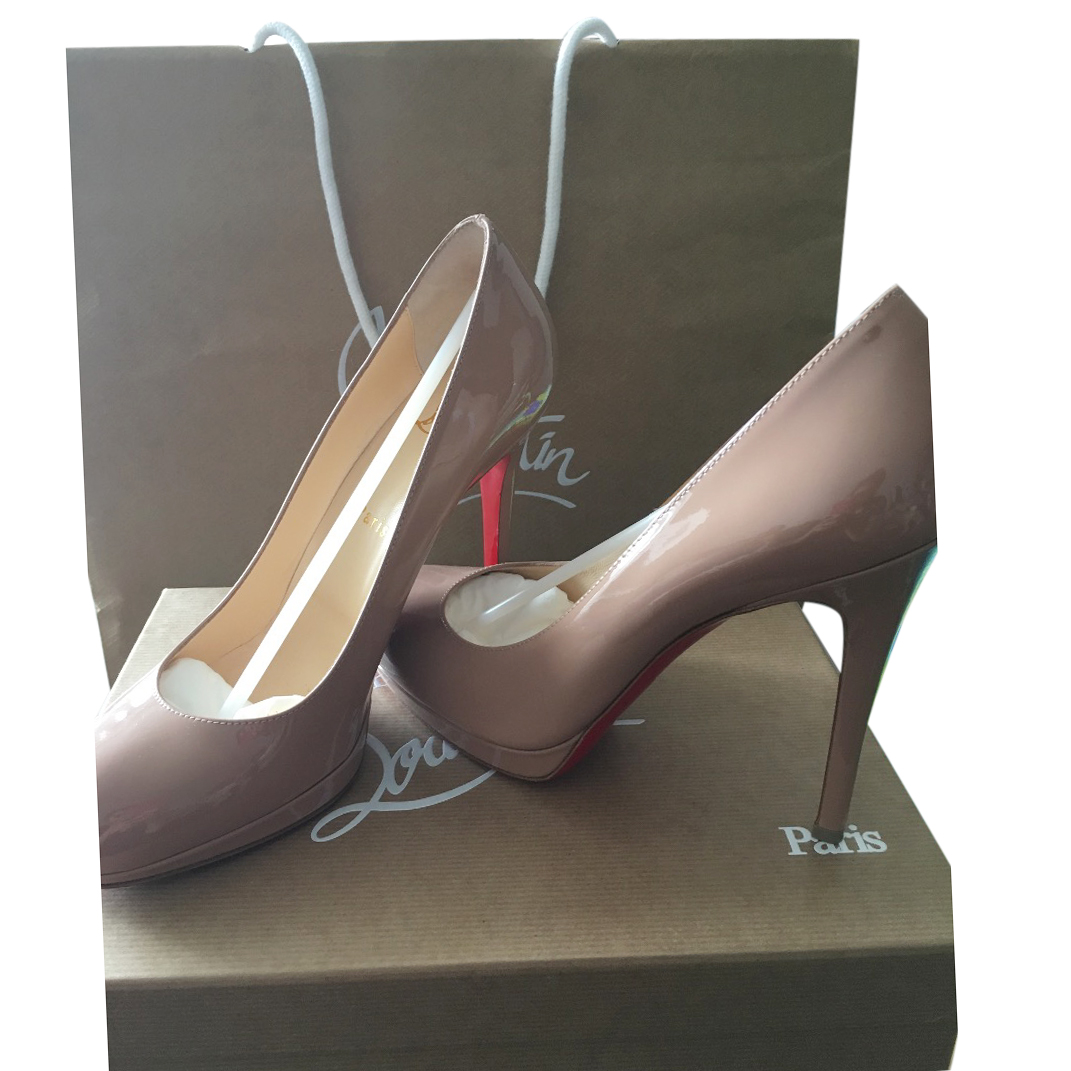 the latest e6a87 37e1d Louboutin New simple pump 120 patent calf