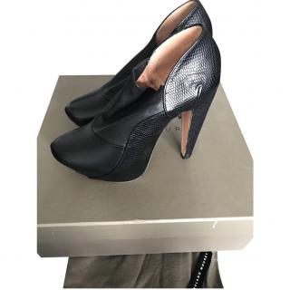 Roland Mouret Black Leather Boots