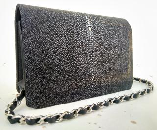 Black classic stingray flap bag