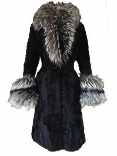 THES & THES Mink Fur-Coat with Silver Fox Fur Collar and Cuffs