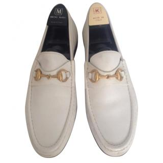 Gucci off white leather flat shoes