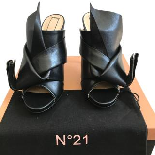 No.21 Black Calf Leather bow Mules