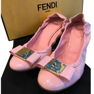 Fendi Pink patent leather low heel shoes