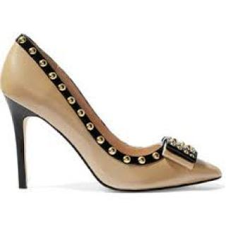 Lucy Choi London Benvolio beige black rockstud pumps with bows