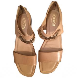 Tod's beige sandals