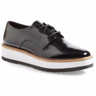 VINCE Matte-Leather Brogues Shoes