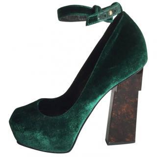 Aperlai Velvet Heels
