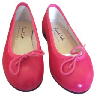 French soles ballerinas