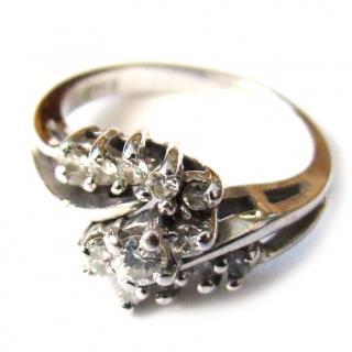 14ct white gold & diamond cluster ring
