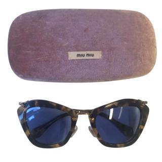 Miu Miu 10NS Noir Cat-Eye Sunglasses