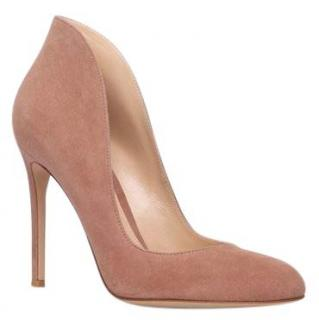 Gianvito Rossi The Lyra Pump 105 Nude Suede Courts.