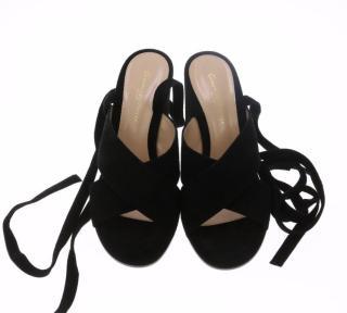 GIANVITO ROSSI Black Sueded Heels