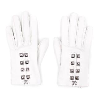 Chanel White Studded Gloves