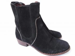 Marc by Marc Jacobs Clippy Chelsea Boots
