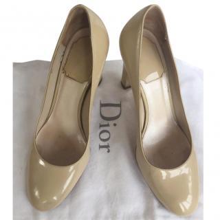 Dior beige patent heels