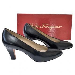Salvatore ferragamo classic Navy court shoe