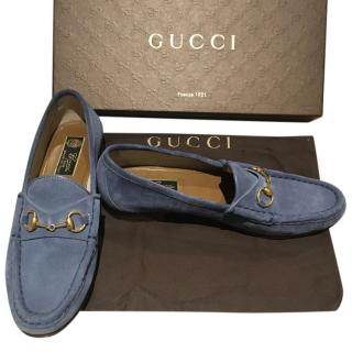 Gucci horsebit loafers in blue suede, size 38/5