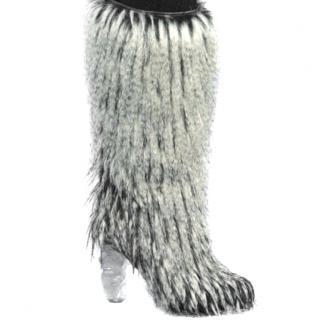 Chanel Yeti boots