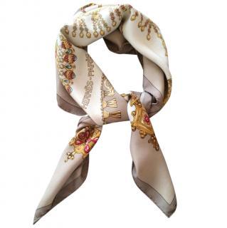 Hermes Parures des Sables silk carre