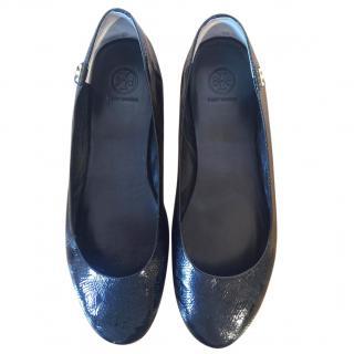 TORY BURCH Minnie black patent leather textured ballerinas