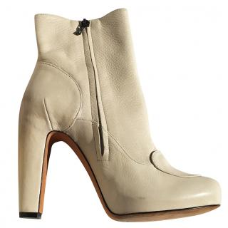 Roland Mouret Cream Leather Ankle Boots