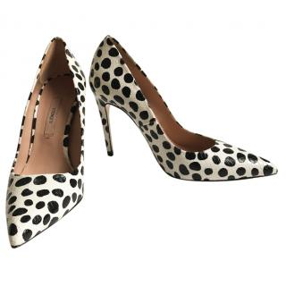 Uterque Patterned Pumps