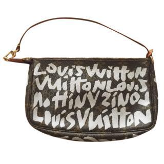 Louis Vuitton graffiti pochette