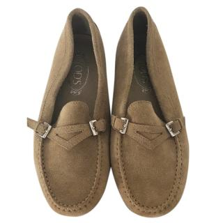 Tod's ladies loafer in beige suede