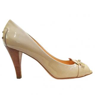 Tod's patent leather nude peep toe stacked heel shoe
