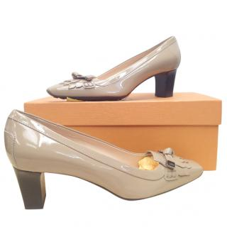 Tod's Taupe Patent Pumps