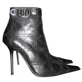 Gianmarco Lorenzi boots with canage pattern
