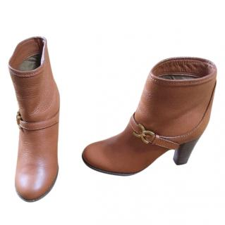Chloe tan ankle boots