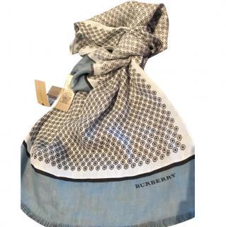 Burberry Geo Lightscarf