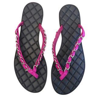 Chanel pink chain flip flops