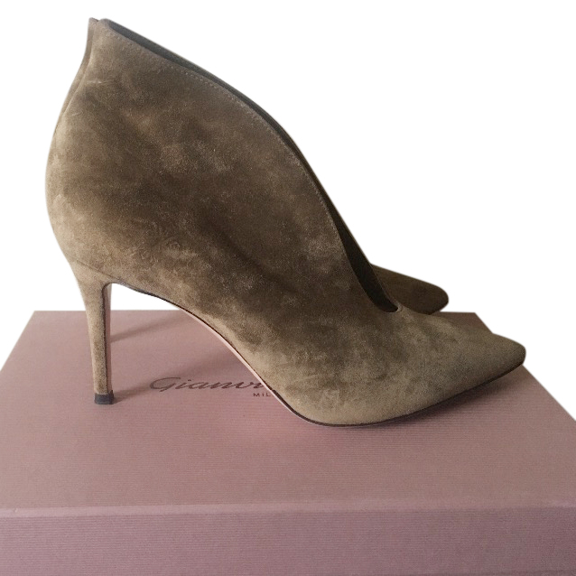 Gianvito Rossi Vania Suede UK40