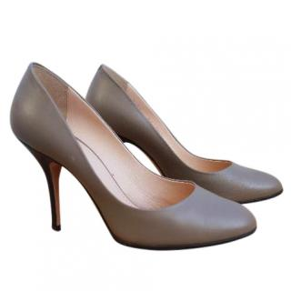 Bally Olive leather pumps