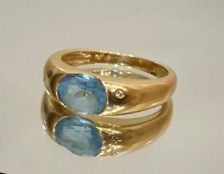 H. Stern Blue Topaz and Signature Diamond Ring 18ct gold