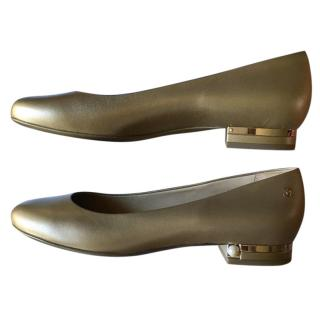 Chanel gold/pearl heel flat pumps