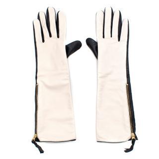 By Malene Birger Black and White Gloves